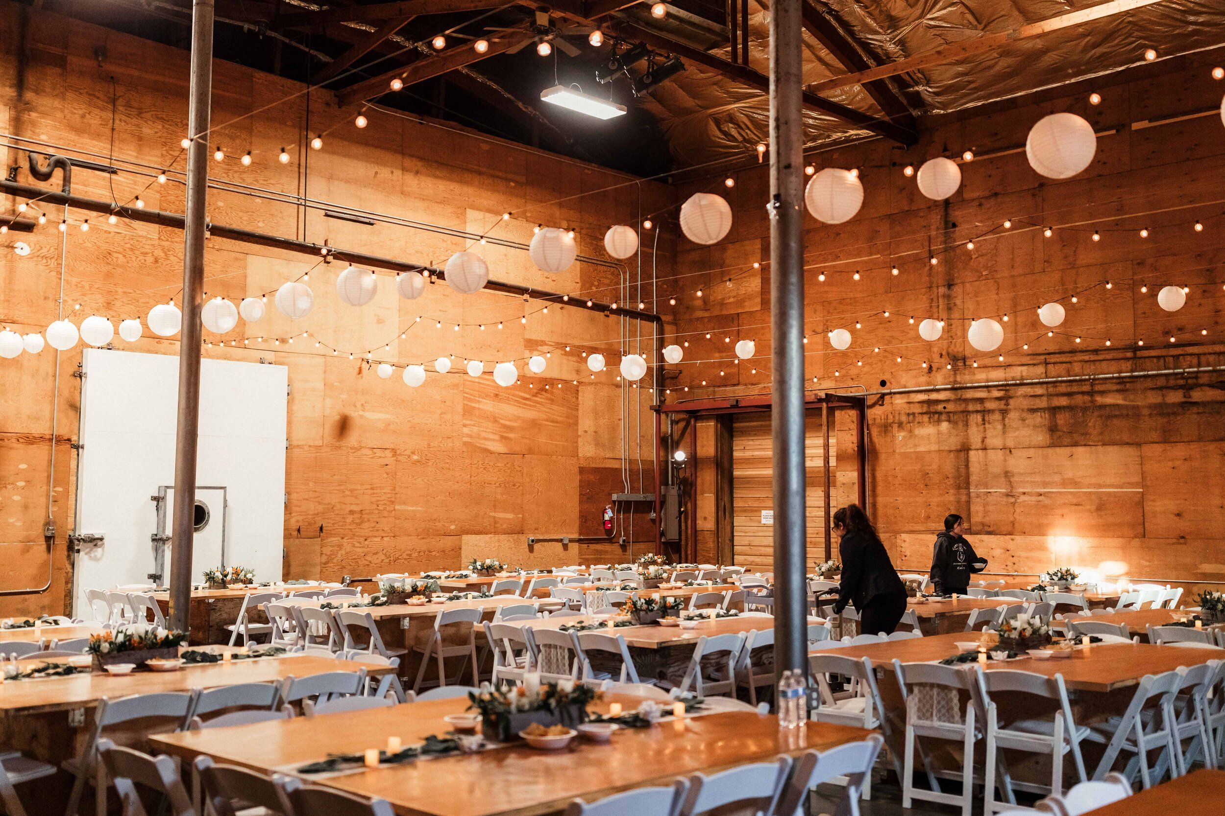 Lili Tony Warm Rustic And Romantic Fall Wedding St Paul S Cathedral Mighty Tieton Warehouse Yakima Wa In 2020 Warehouse Wedding Fall Wedding Wedding Reception Inspiration