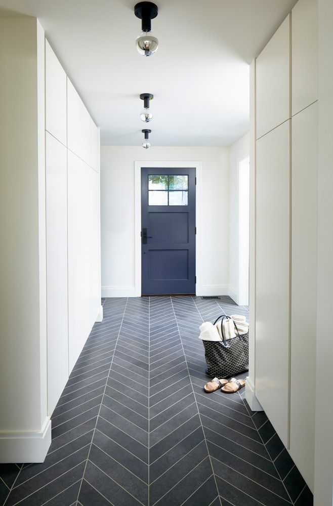 Épinglé par cécile demarest sur Sol cuisine | Entrée maison moderne, Carrelage en chevrons ...