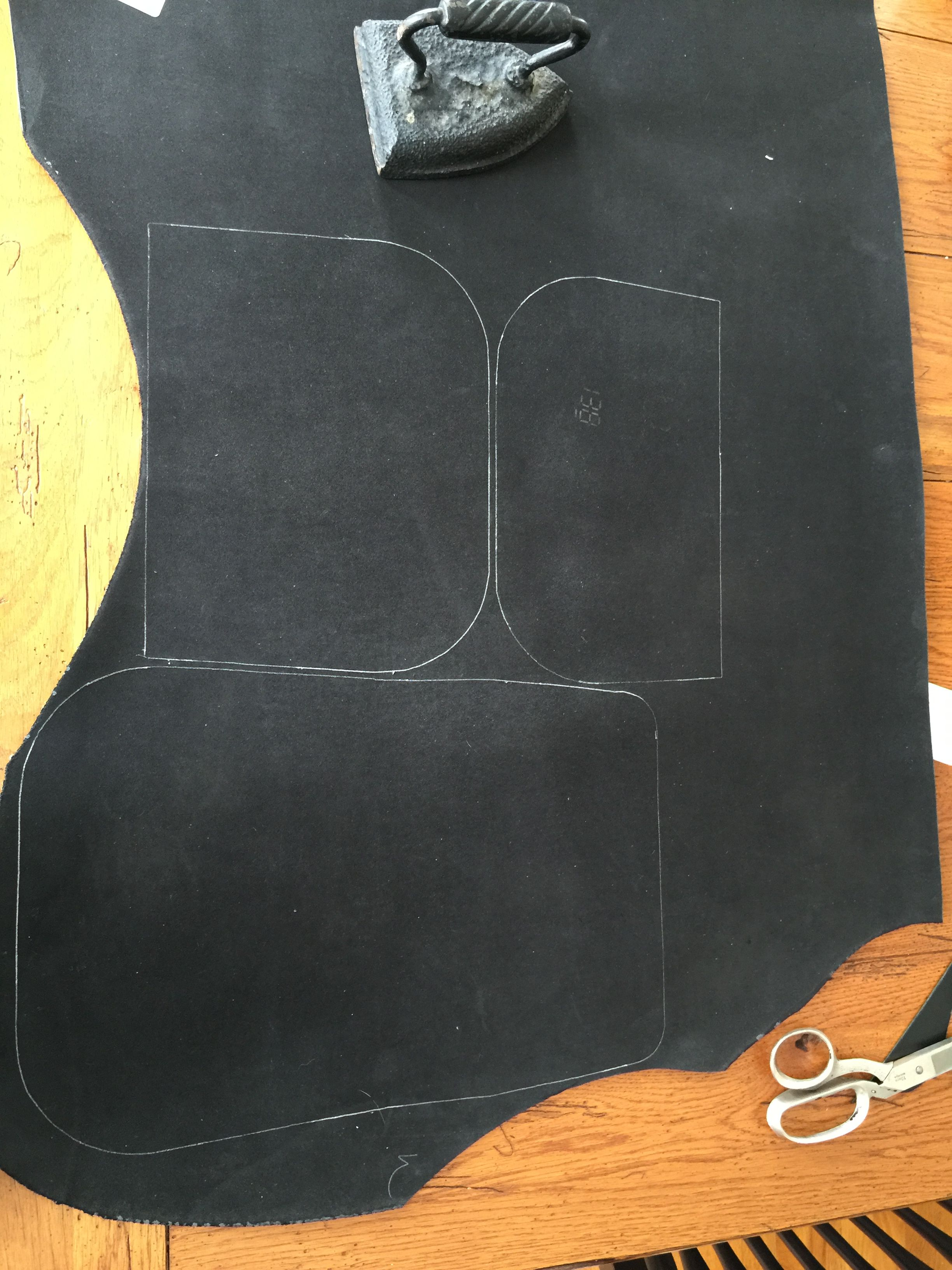 Drawing out the parts for a shoulder bag, nice black leather I got on sale. #leather #Raleigh #handbag #handcrafted #purse #wallet