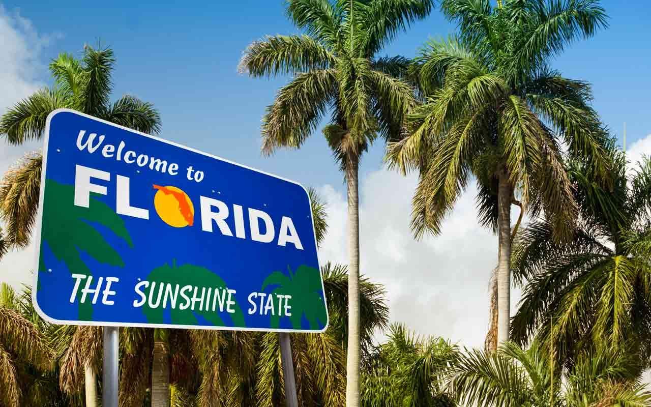 DISNEY OLD KEY WEST SIGN Florida Travel Souvenir Fridge Magnet