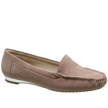 Sapato Mocassim Usaflex Couro Bege com acabamento perolado. Detalhes em costuras pespontadas. Forro em jérsei bege, palmilha bege. Salto 1,5...