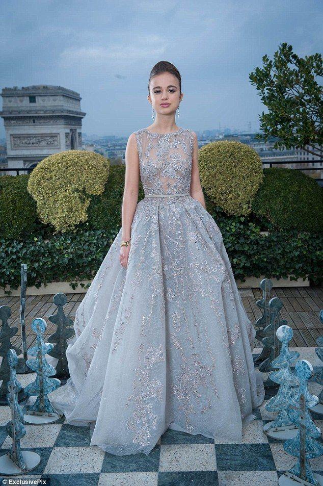 Stunning Photos Show Lady Amelia As A 17 Year Old Paris Debutante