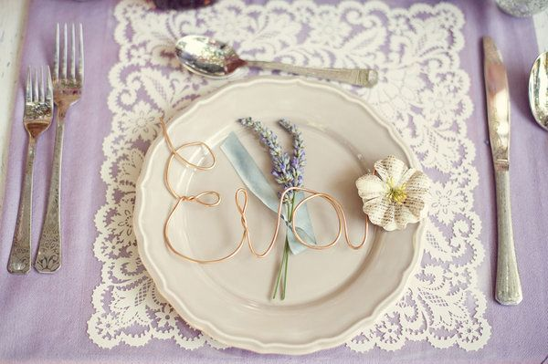 Vintage table setting with lavender sprig - love the lavender and lace & Vintage table setting with lavender sprig - love the lavender and ...