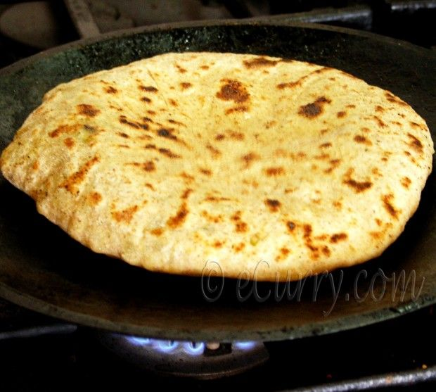 Aloo paratha potato stuffed flatbread from ecurry breakfast aloo paratha potato stuffed flatbread from ecurry indian food recipesveg forumfinder Image collections