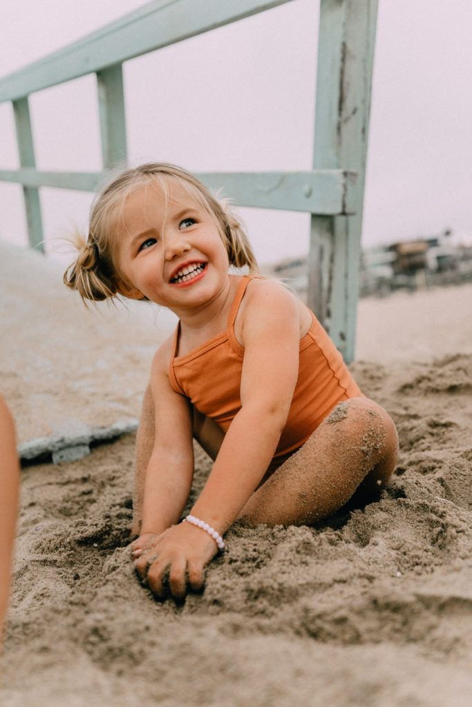 Photo of Manhattan Beach and 12 Things – Barefoot Blonde by Amber Fillerup Clark