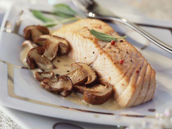 Probieren Sie den leckeren gebratenen Lachs mit Pilzragout von EAT SMARTER oder eines unserer anderen gesunden Rezepte!