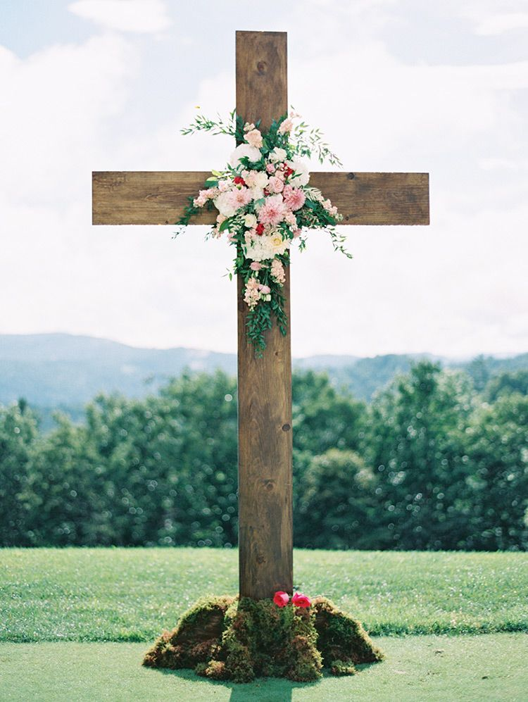 Large Wood Cross For Outdoor Wedding Ceremony Melissa Jill Photography