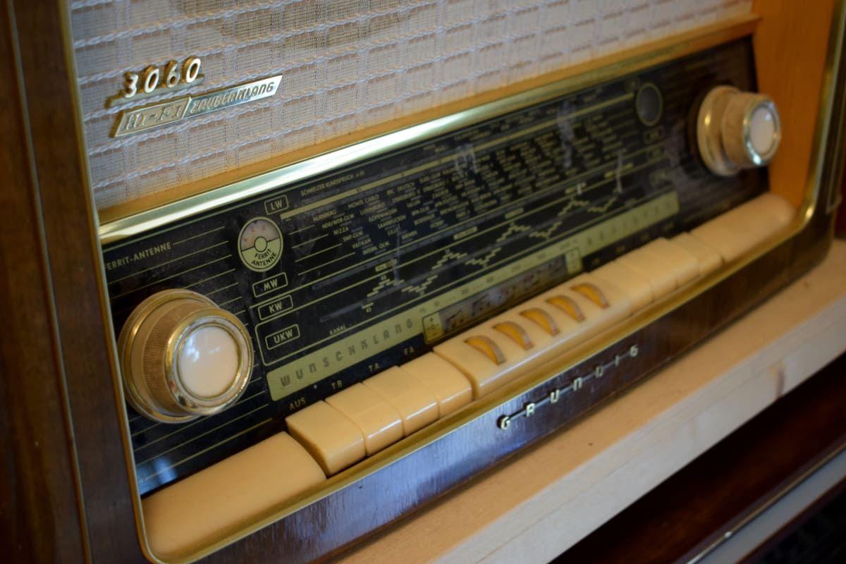 vanha putkiradio