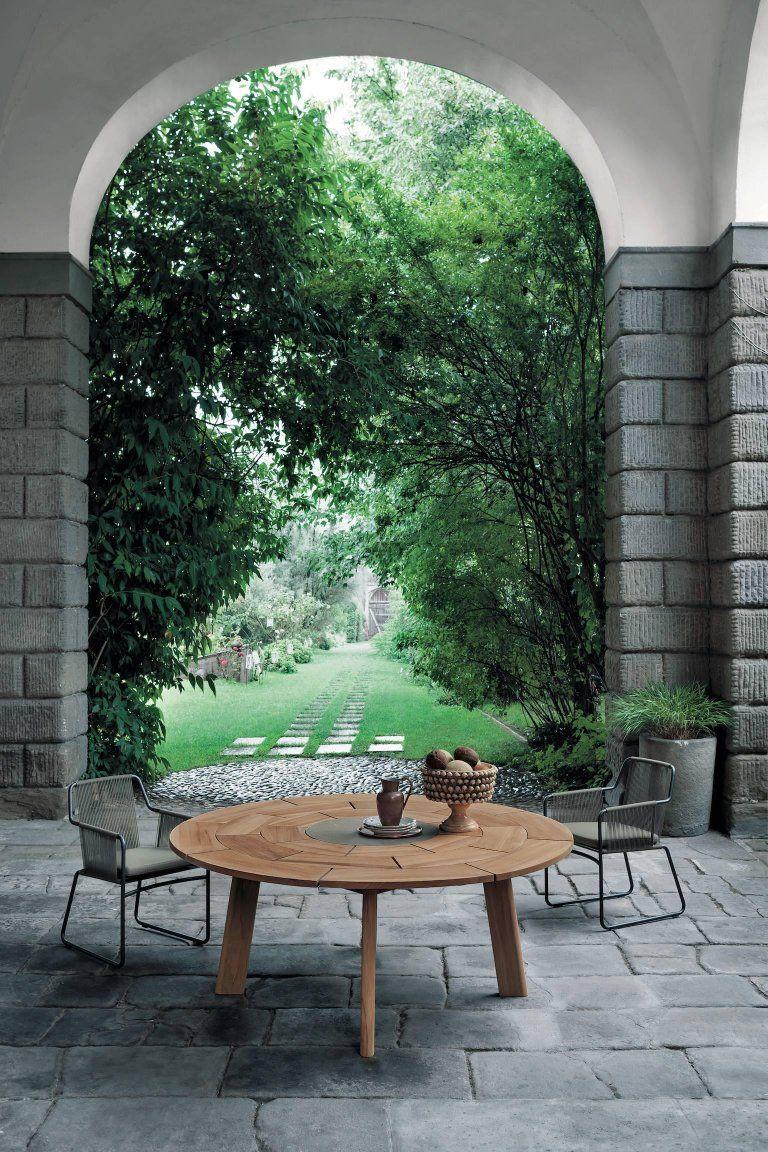 Roda Brick Collection H H Dubai Outdoor Dining Table Outdoor Outdoor Furniture Sets [ 1152 x 768 Pixel ]
