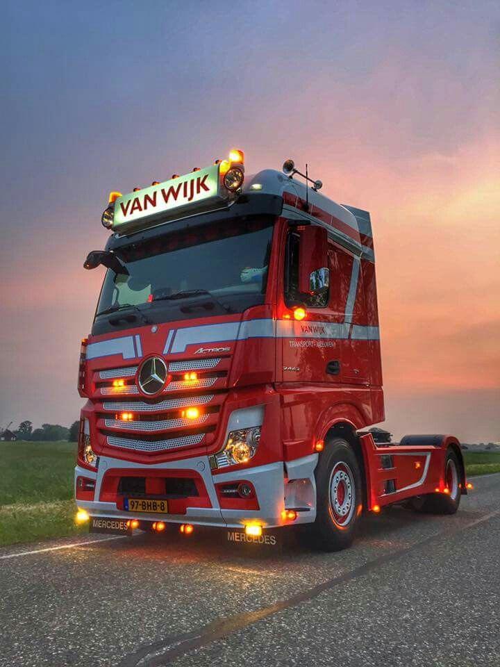 mercedes benz actros mp4 trucks mercedes benz trucks. Black Bedroom Furniture Sets. Home Design Ideas