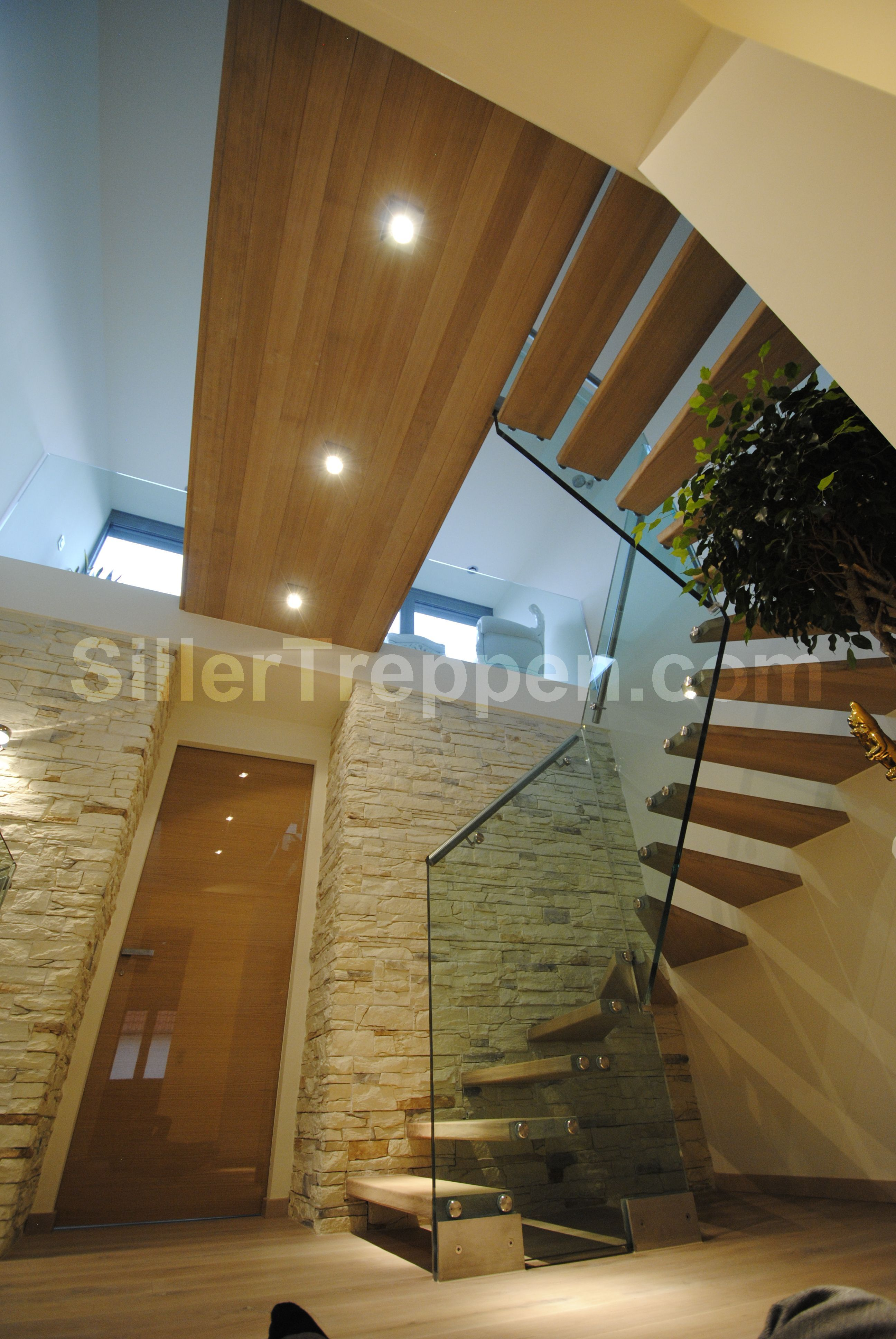 floating staircase, winder staircase, structural glass stairs, modern stairs, custom stairs http://www.sillertreppen.com/en/stairs-modern/