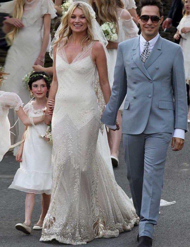 Vestito Da Sposa Kate Moss.Spose Iconiche Famose Abiti Look Non Scorderemo Mai Abiti Da