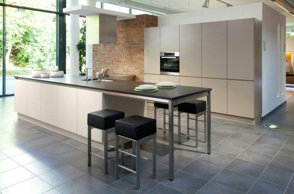 Cucina moderna Luna, funzionalità e stile Cucine moderne Arredo3 - k che mit bar