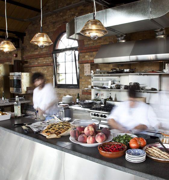 Restaurant With Open Kitchen: Kitchen, Dining Room