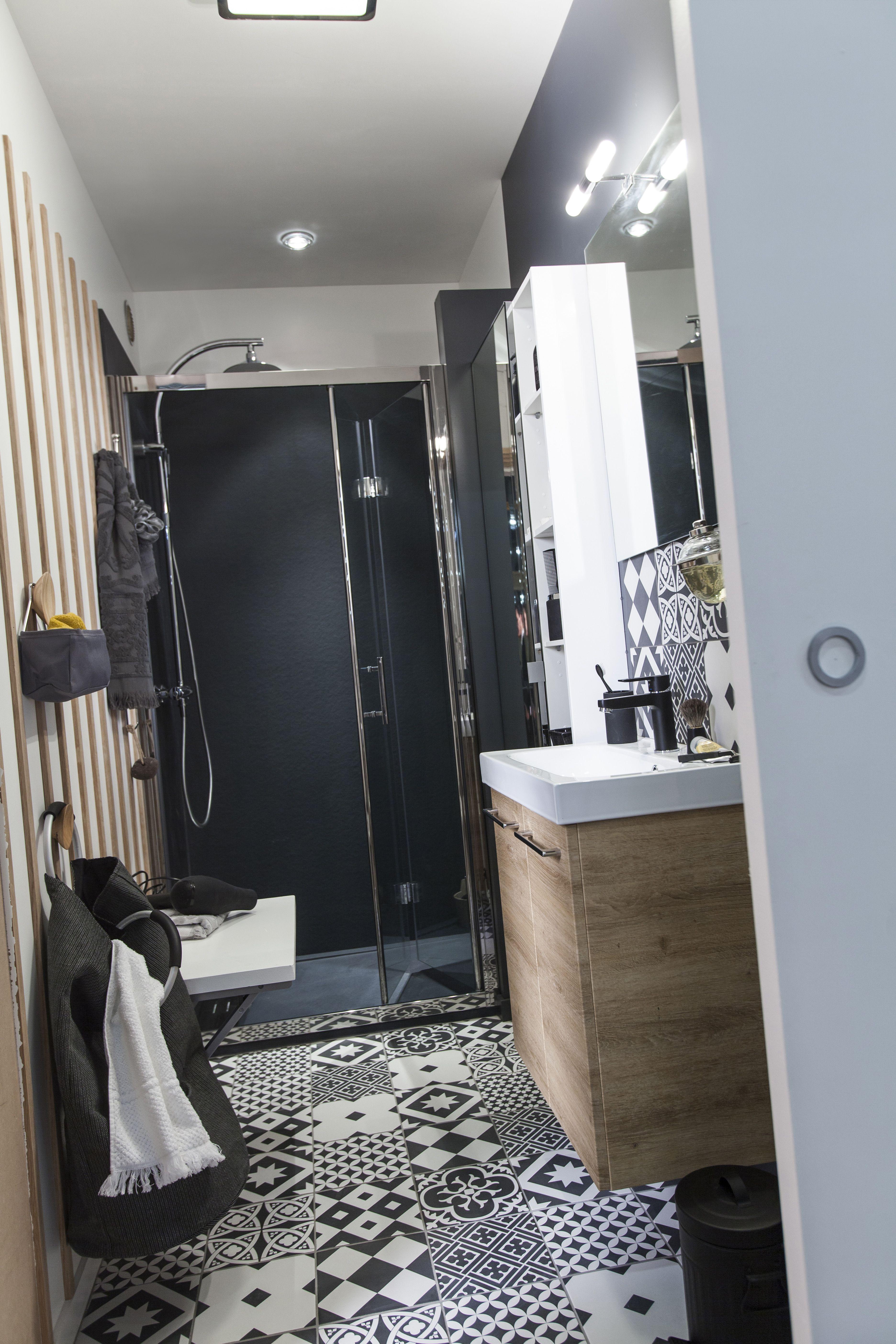 carrelage sol et mur noir et blanc effet ciment gatsby meuble de salle de bain remix receveur relooking salle de bain idee salle de bain salle de bain noir