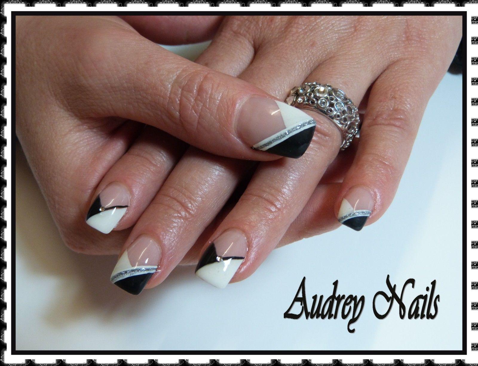 decoration des ongles blanc