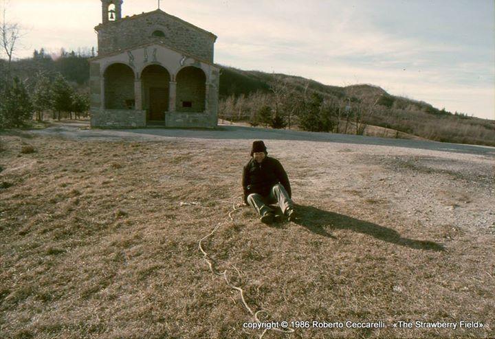Don Alvaro al tiro alla fune - Santuario Madonna del Soccorso #valmarecchia poggiorimini quellididonpippo http://buff.ly/1Yi5J2u