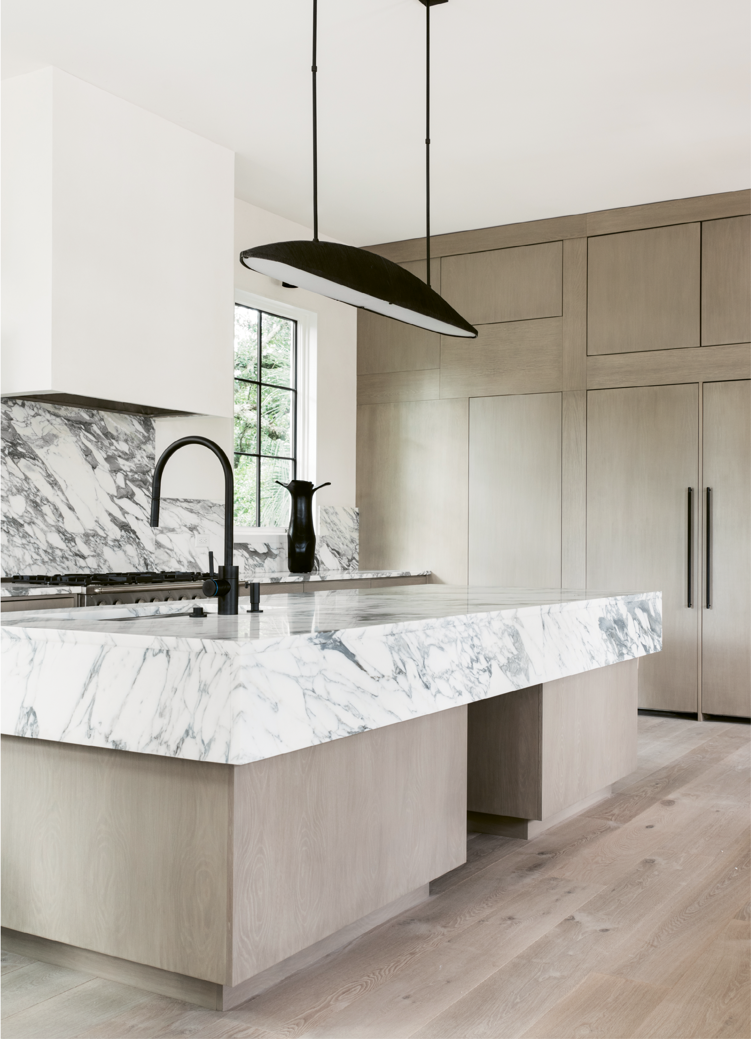 High Style On The Battery White Marble Kitchen Island White Marble Kitchen Marble Kitchen Island