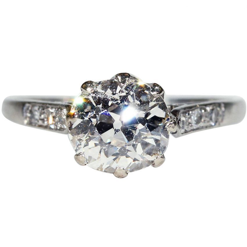 Antique Edwardian 1.75 carat Diamond Solitaire Ring in Platinum