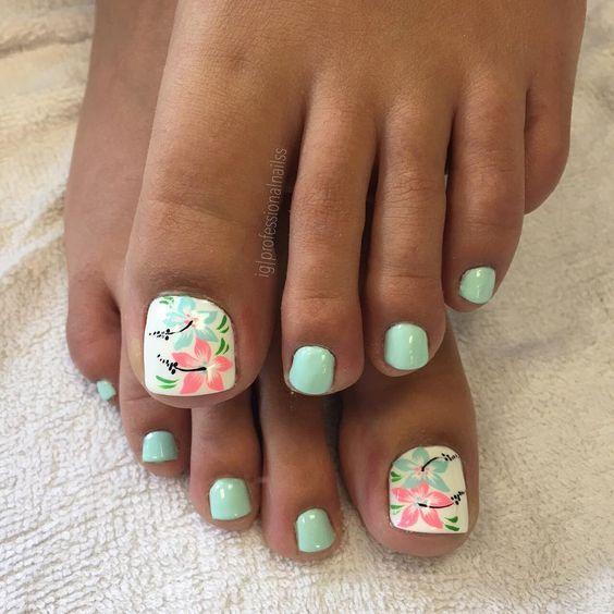 summer beach toes nail design