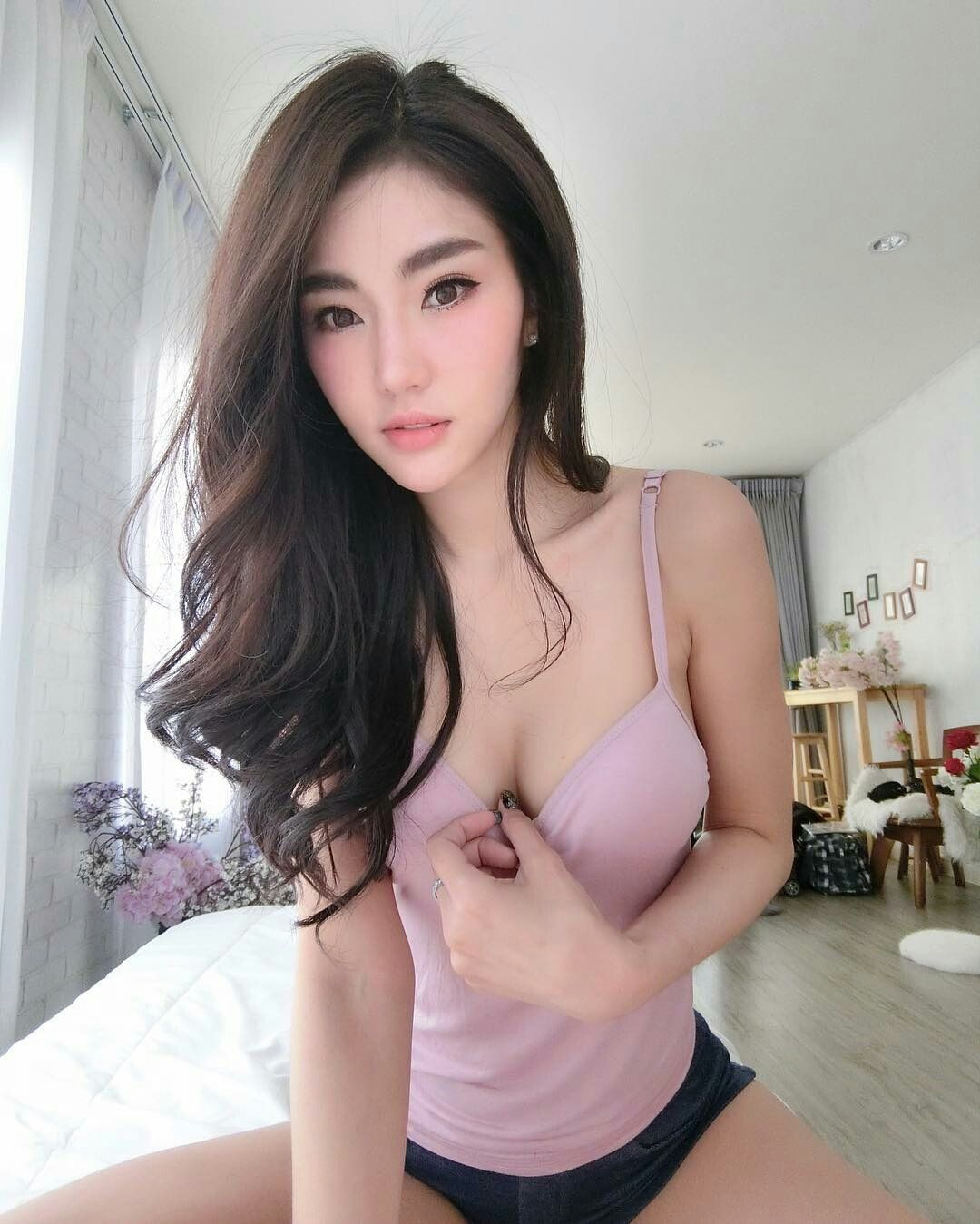 Teen girl with perfect boobs