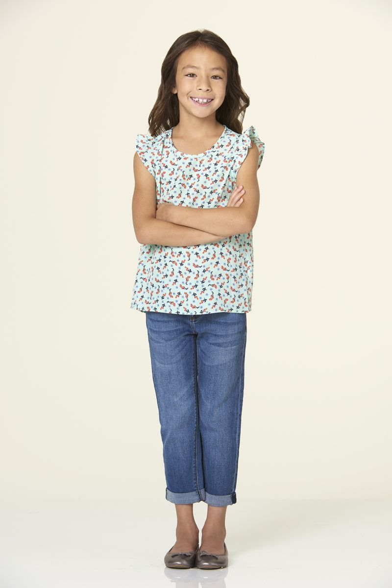 Aubrey Anderson Emmons As Lily Tucker Pritchett In Modernfamily Season 7 Modern Family Modern Family Lily Family Poster