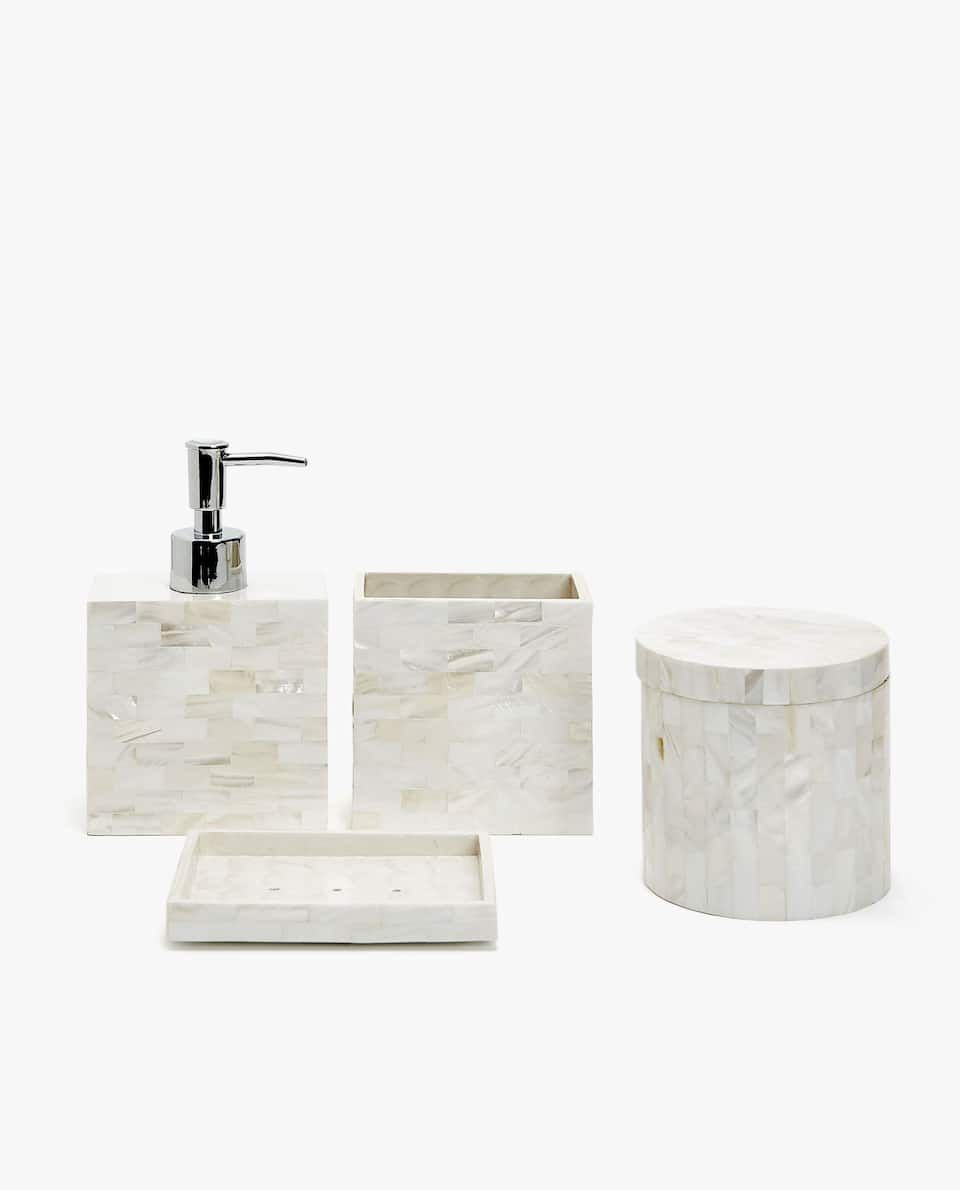 Mother Of Pearl Bathroom Set With Images Bathroom Accessories