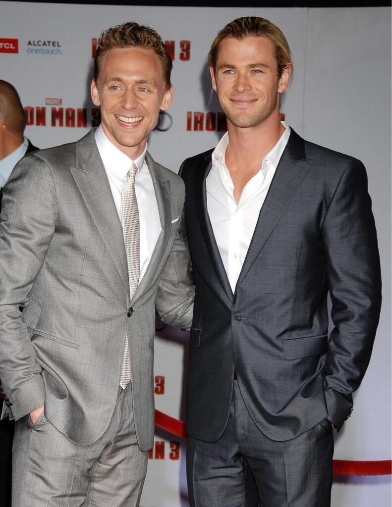 Tom Hiddleston and Chris Hemsworth via Twitter.