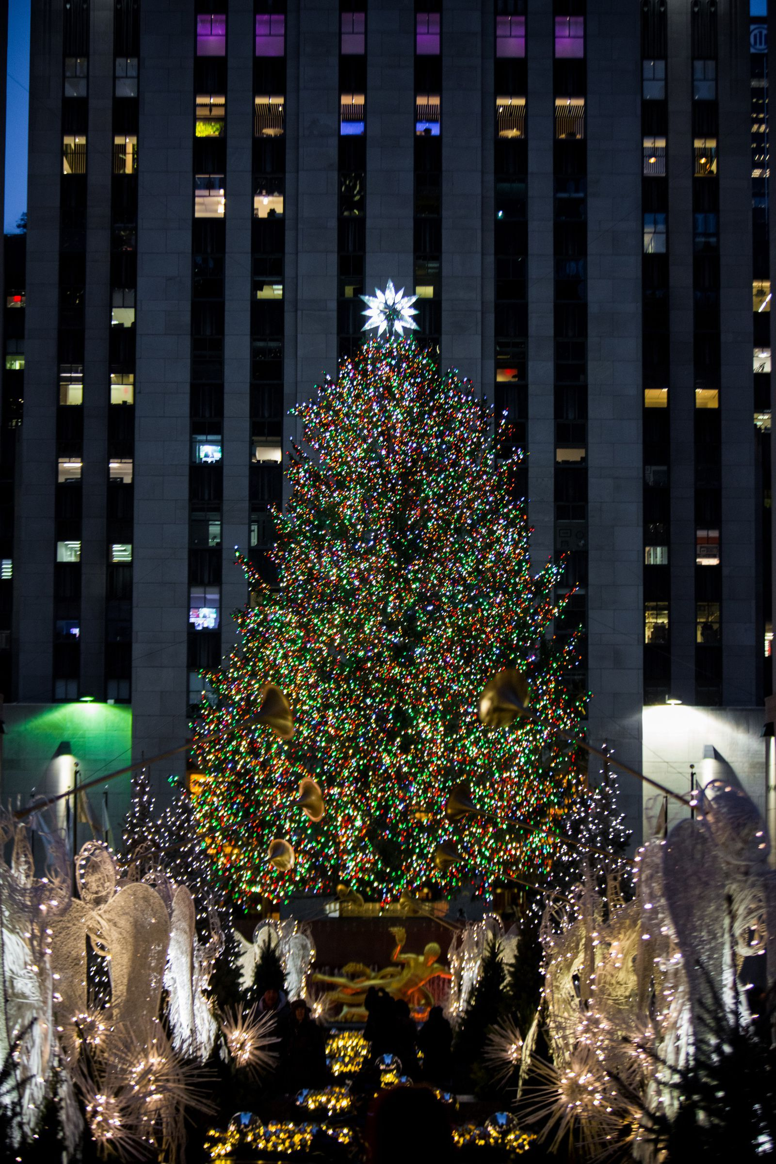 Everything You Should Know About The Rockefeller Christmas