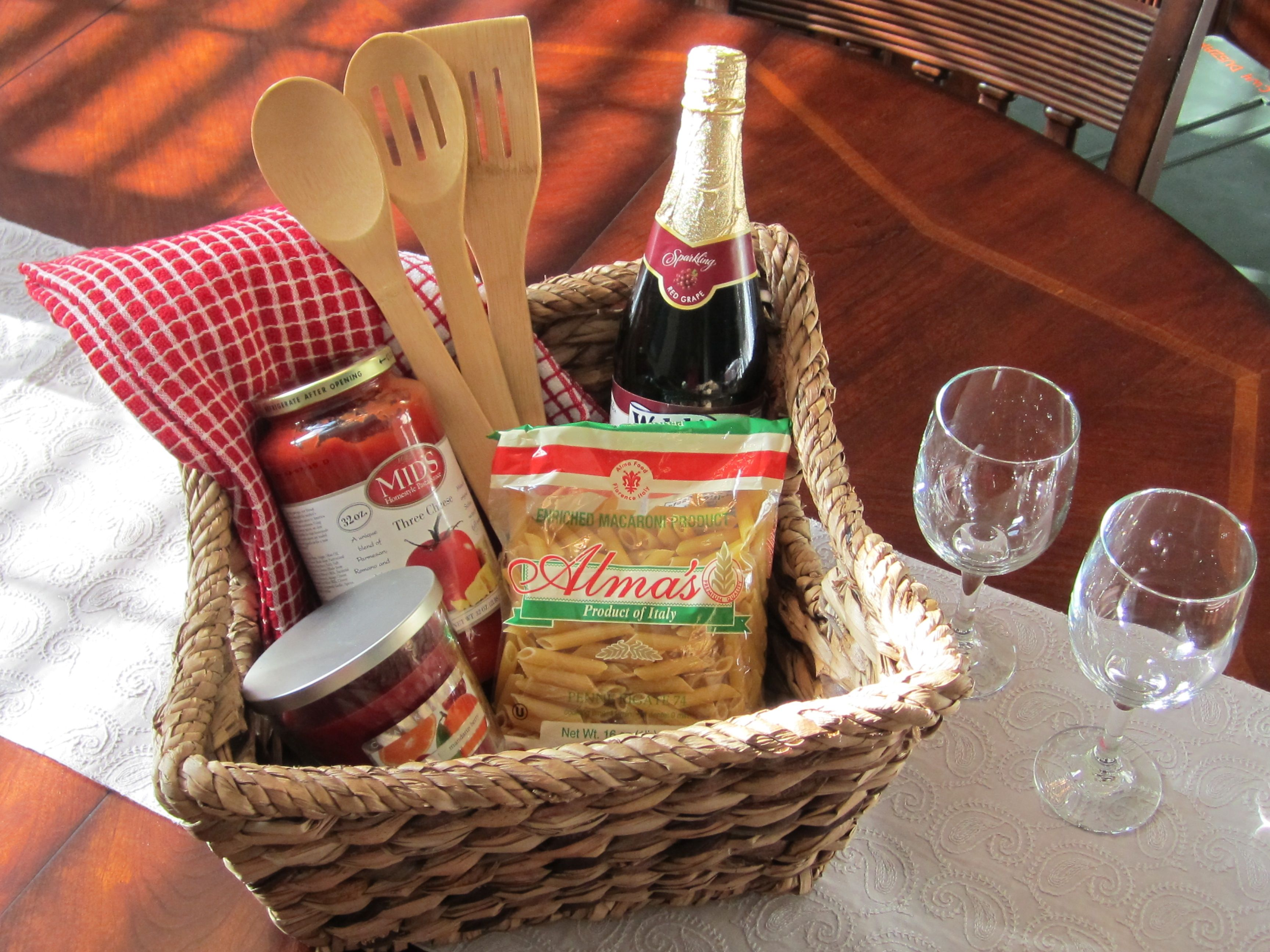 Italian dinner for two gift basket add a baguette and a for Dinner party gift ideas