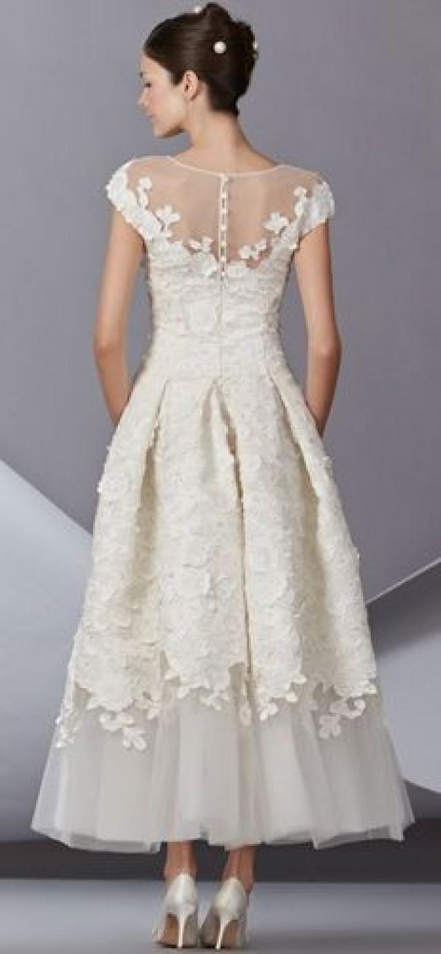 Carolina Herrera  Carolina herrera wedding dress, Herrera wedding