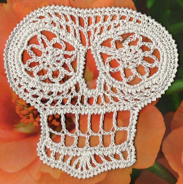 Ravelry: Cascara Crochet Day of the Dead Skull Applique pattern by ...