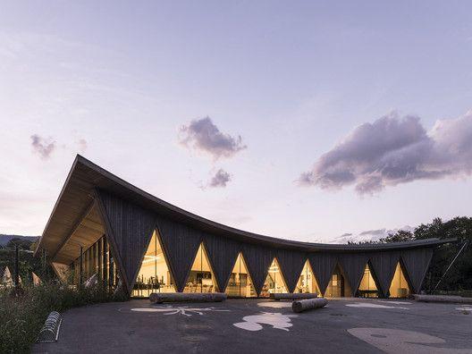 Public Pavilion of New Zoological Park La Gavenne / LOCALARCHITECTURE