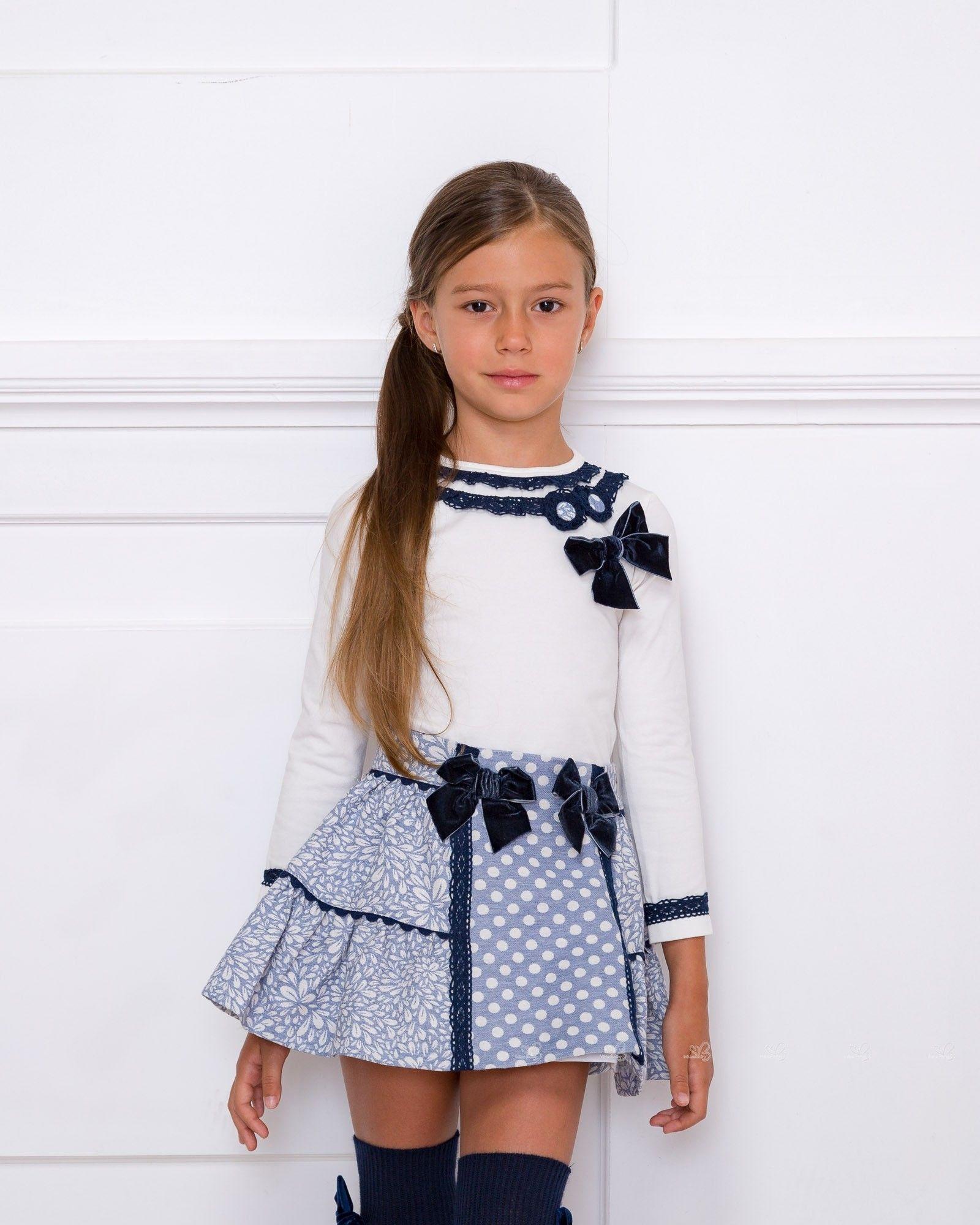 568d85562 Conjunto Camiseta Decorada & Falda Brocado Floral Azul | ahora ...