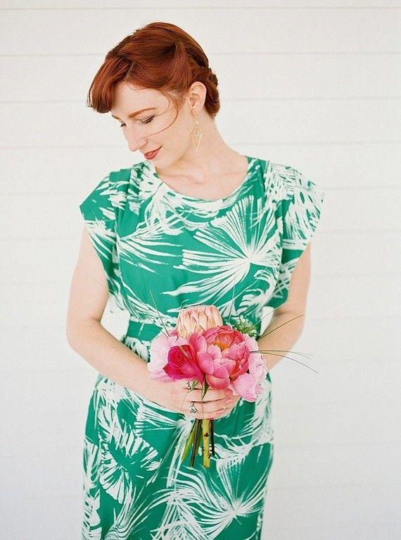 Brautjunger Kleid Palmen Optik grün