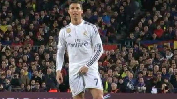 Cristiano Ronaldo no hizo un mal partido ante Barcelona pero le alcanzó a Real Madrid para llevarse algun punto del Camp Nou. El atacante portugues inquietó  en mas de una ocasión  el arco de Bravo aunque tuvo que conformarse con el gol del descuento. Este acto hizo cuando el arbitro le sacó amarilla. March 23, 2015.