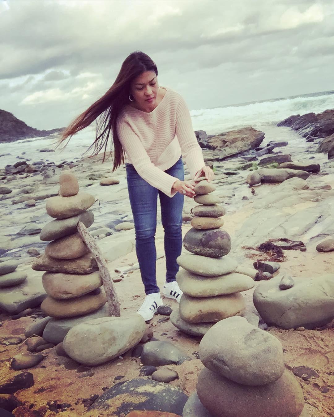 Stone stacking #carisbrook #carisbrookcreek  #greatoceanroad #greatoceanview #greatoceanroadtrip #greatoceanroadadventure #roadtrip #adventure #visitmelbourne #melbournesights #melbonpix #ilovemelbourne #wandervictoria #melbourne #stone #stonestack #stonestacking #cantileverbridge by sexyrax