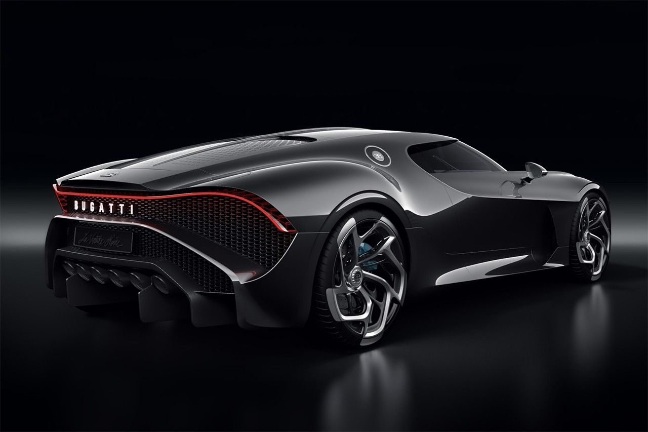 Bugatti Debuts The Most Expensive New Car Of All Time Black Car Bugatti Cars Super Cars