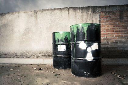 http://www.pollutionissues.com/photos/hazardous-waste-3559.jpg