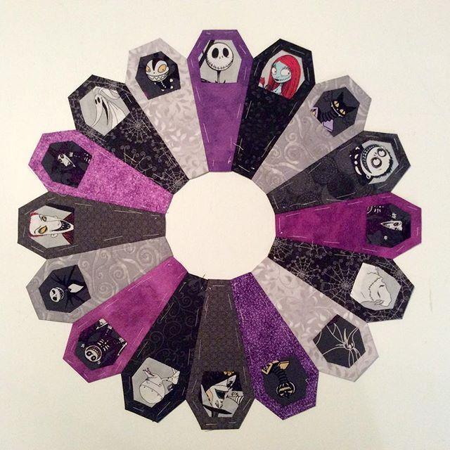 Ring of Coffins quilt pattern Jack Skellingtontheme | English paper ...