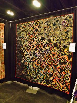 Pearl Street Road: Paducah Quilt Show | Quilts - Curved Piecing ... : quilt show chicago - Adamdwight.com