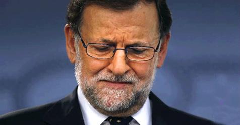 Vino y girasoles...: Rajoy lee los resultados de la última encuesta del...