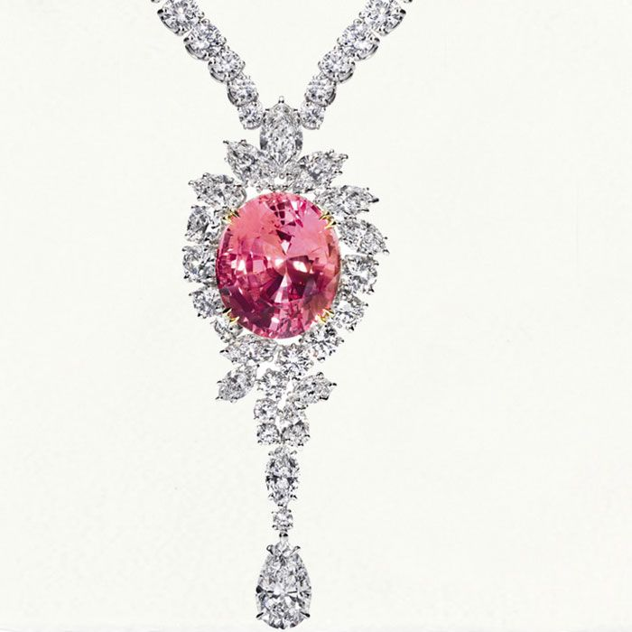 Harry winston jewelry collection harry winston jewelry for Harry winston jewelry pinterest