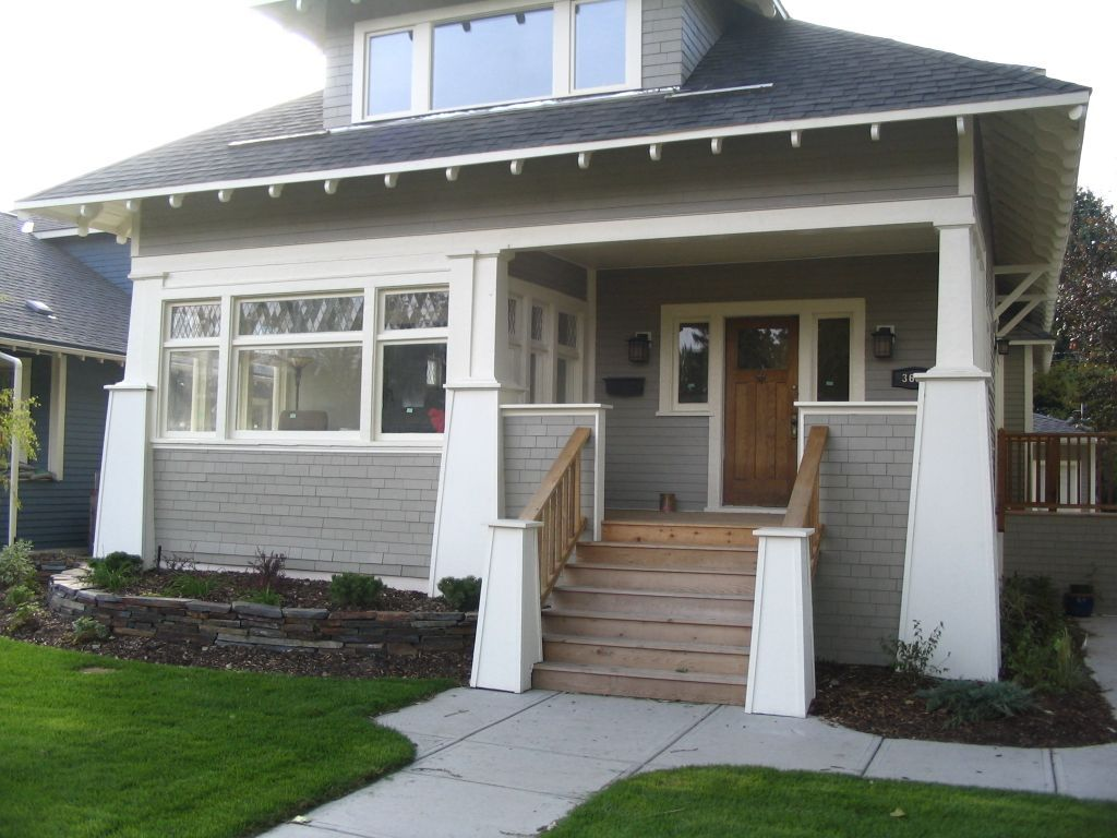 Front porch craftsman style half enclosed half open for Front deck designs bungalow