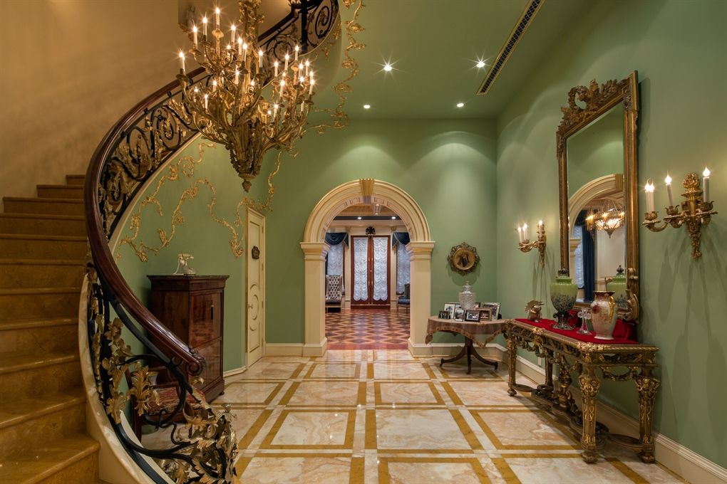 The 5 most expensive homes for sale in america foyer for Nyc mansions for sale