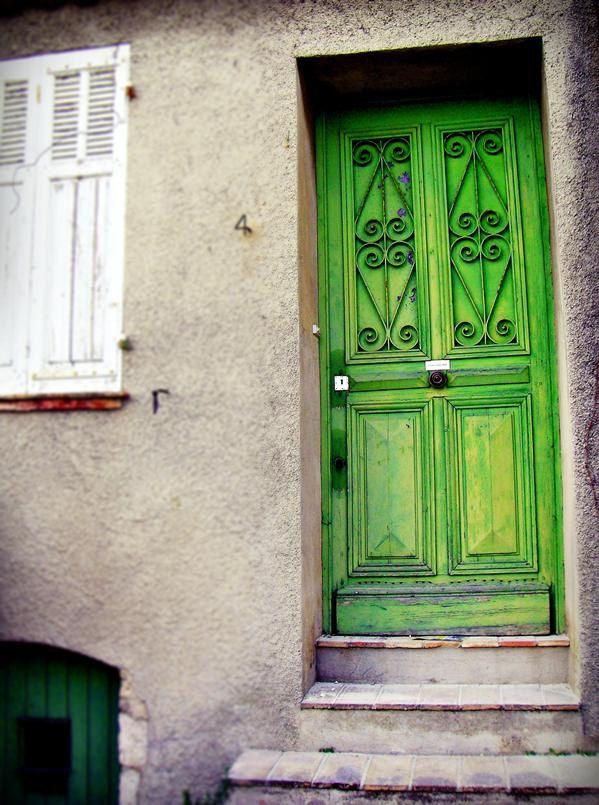 Green Door Photography Paris Door Art French Home Decor 8x10 French Photo Emerald Green Kelly Green 20 00 Via Etsy Green Door Paris Door