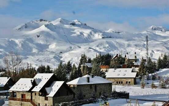Pirineos Estacion De Formigal Lugares Maravillosos Estaciones De Esqui Leyendas