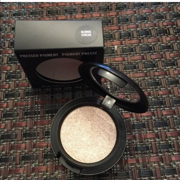 "Mac pressed pigment ""Blinde streak"" MAC Cosmetics Makeup Eyeshadow"