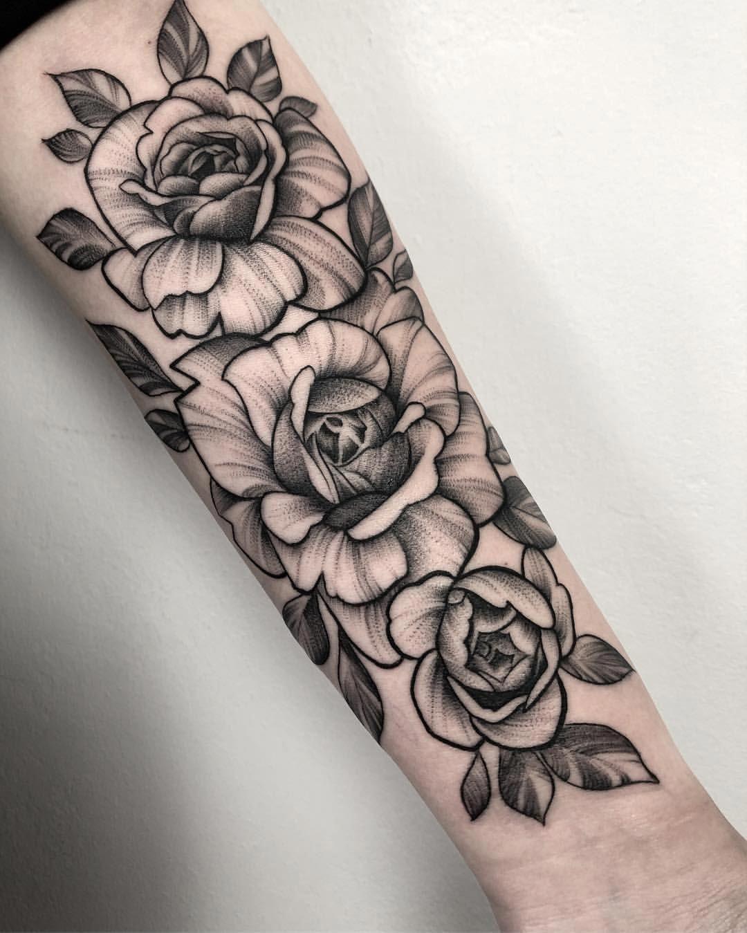 20 Tatuajes de rosas en el antebrazo