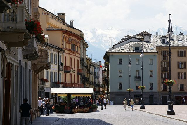 Aosta, Place/Piazza Emile Chanoux   Flickr - Photo Sharing!